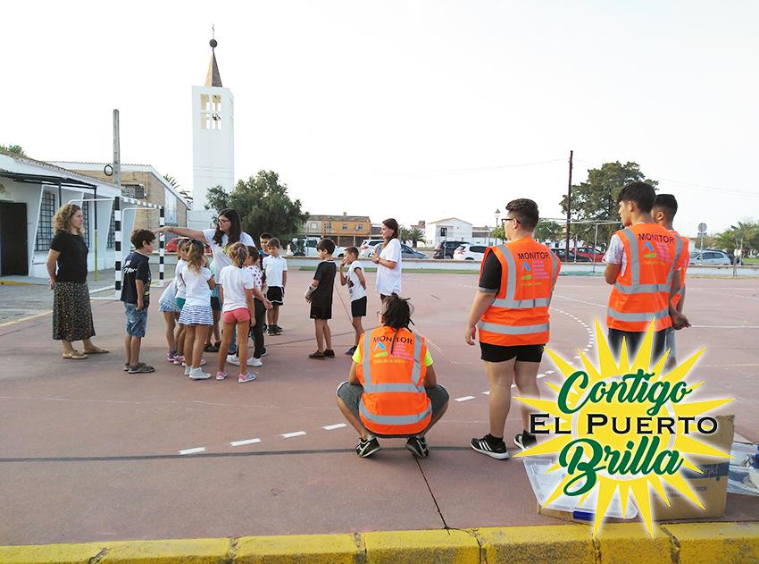 niños en colegio Castillo Doña Blanca